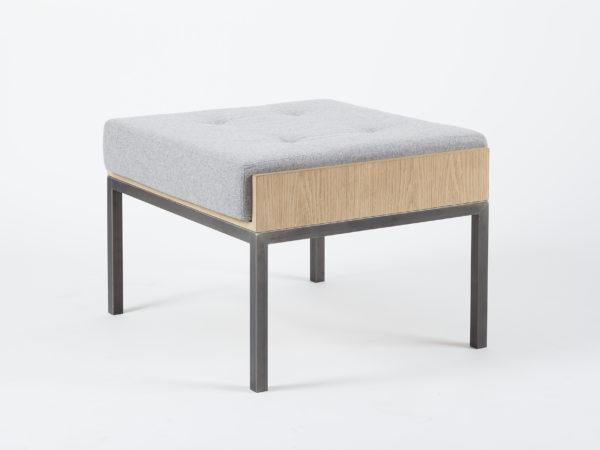 Repose-pieds design feutre bois et métal Vaneau par Alex de Rouvray style vintage années 50 moderniste bauhaus