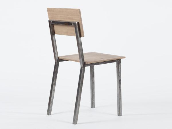 Chaise en métal et bois
