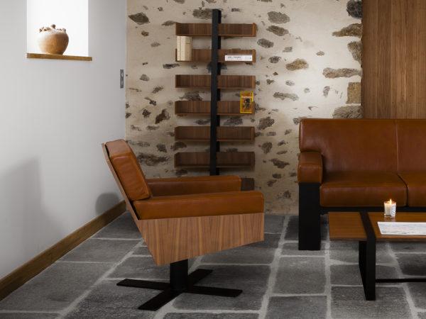 Fauteuil Lounge Mayet en bois, cuir et métal